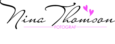 Bröllop & Porträtt Fotograf Nina Thomson Lidingö logo